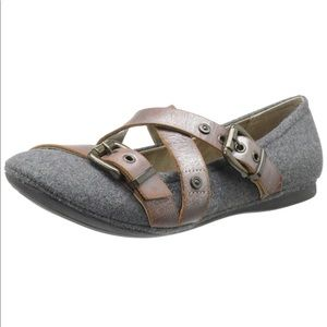 Ballet Flat Shoes Leather and fabric Straps